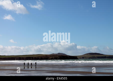 Walkers on Whitesands Bay beach, Pembrokeshire, West Wales. UK - Stock Photo