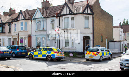 Westcliff on Sea, Essex, UK. 6th July, 2015. Police have launched a murder enquiry after a man was found stabbed - Stock Photo
