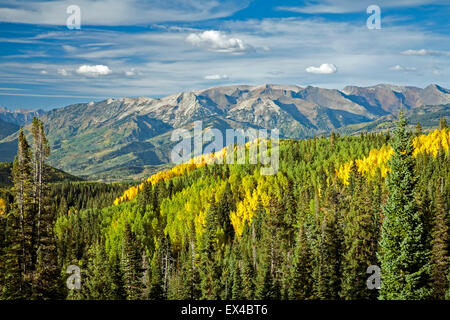 Mountains and aspens in Fall, from Three Lakes Trail, Gunnison National Forest, Colorado USA - Stock Photo