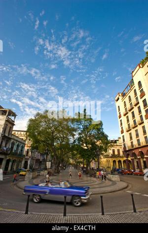 Vertical streetview of Paseo el Prado in Havana, Cuba. - Stock Photo