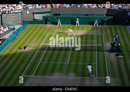 Wimbledon, UK. 06th July, 2015. The Wimbledon Tennis Championships. Gentlemens Singles fourth round match between - Stock Photo