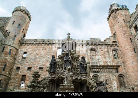 Linlithgow palace fountain from inside the courtyard - Stock Photo