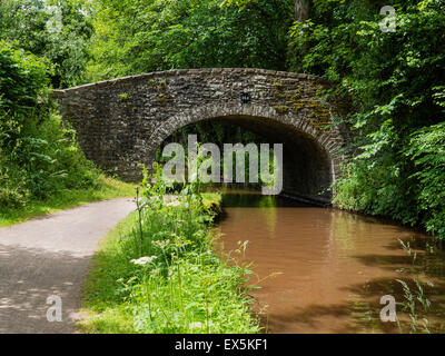 Stone Bridge on the Monmouthshire and Brecon Canal, (Mon & Brec), Powys, Wales, UK - Stock Photo