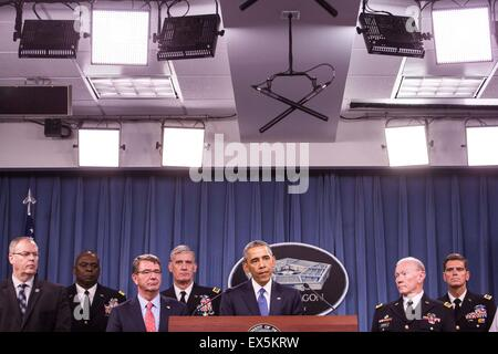 United States President Barack Obama delivers remarks after meeting with members of his national security team concerning - Stock Photo
