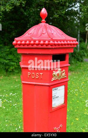 Victorian Penfold red Post Office pillar letter box in Omagh, County Tyrone, Northern Ireland - Stock Photo
