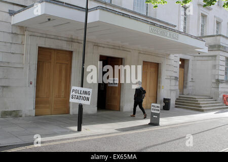 Very quiet Polling station in Hackney, East London before just before 8am. The UK goes to the polls in The UK General - Stock Photo