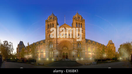 Exterior view of the Natural History Museum, London - Stock Photo