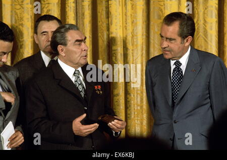 president nixon versus the united states Richard nixon was elected the 37th president of the united states (1969-1974) after previously serving as a us representative and a us senator from california after successfully ending .