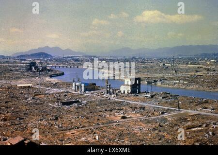 World War Two destruction after the atomic bomb was dropped on Hiroshima 1945 - Stock Photo
