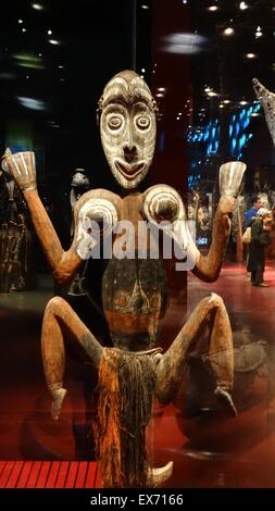 Mask from the Chambri (previously spelled Tchambuli) are an ethnic group in the Chambri Lakes region in the East - Stock Photo