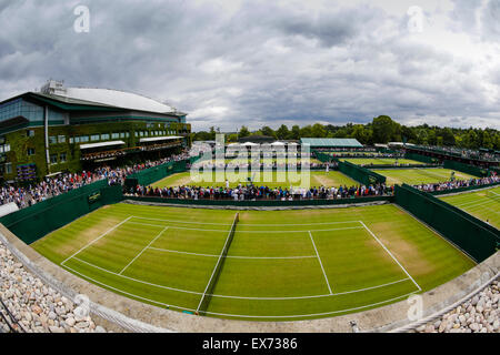 Wimbledon, UK. 08th July, 2015. The Wimbledon Tennis Championships. A view across the outer courts of Wimbledon - Stock Photo