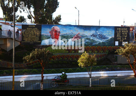 El Alto, Bolivia, 8th July 2015. A mural of Pope Francis in La Ceja was defaced with red paint the day before he - Stock Photo