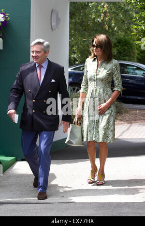 Wimbledon, London, UK. 08th July, 2015. Michael and Carole Middleton arrive at the AELTC on day 9 of the 2015 Wimbledon - Stock Photo