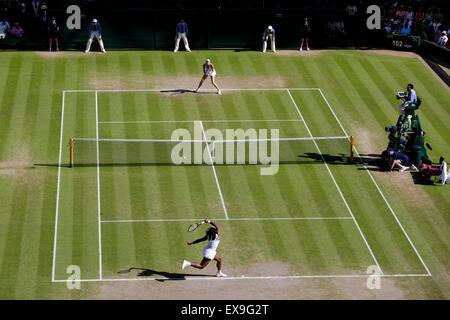 Wimbledon, UK. 09th July, 2015. The Wimbledon Tennis Championships. Ladies Singles semi-final match between top - Stock Photo