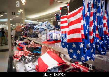 Summer Fourth of July merchandise in a Forever 21 store in New York on Saturday, July 4, 2015. (© Richard B. Levine) - Stock Photo