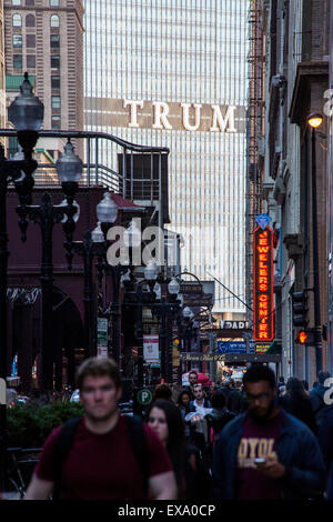 view of State Street towards Trump tower, Chicago, Illinois, USA - Stock Photo