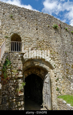 Entrance Gate internal view, Carisbrooke Castle, Carisbrooke, nr Newport, Isle of Wight, England, UK, GB. - Stock Photo
