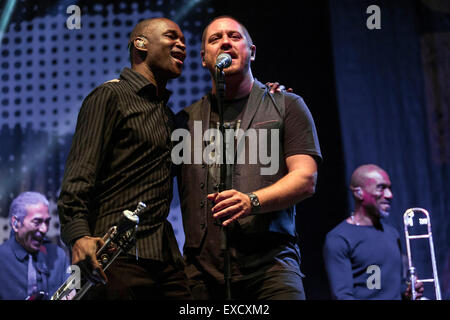 London, UK, 11th July 2015. UB40 Outdoor Concert, Kew Gardens Credit:  Robert Stainforth/Alamy Live News - Stock Photo