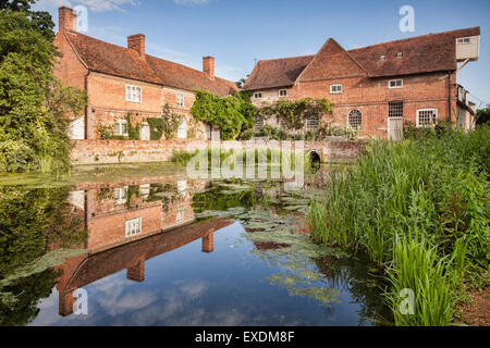 Flatford Mill on the River Stour in Dedham Vale, Suffolk, England. - Stock Photo