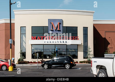 The Exterior Front Of Mathis Brothers Furniture Store In Oklahoma Stock Photo Royalty Free