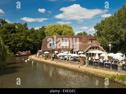 The Anchor Pub, Pyrford Lock, nr Wisley. - Stock Photo