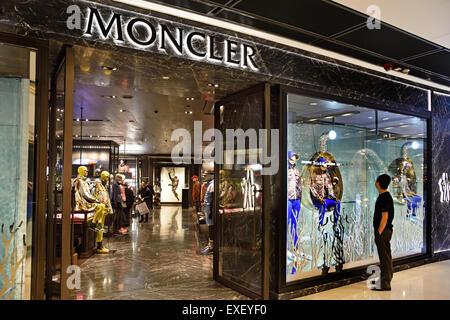 Moncler Paris France
