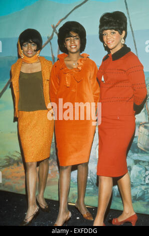 THE SUPREMES US vocal trio in 1967 from left: Diana Ross, Mary Wilson, Florence Ballard - Stock Photo