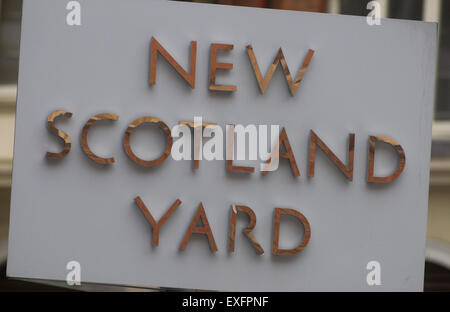 Sign for New Scotland Yard HQ of the Metropolitan Police - Stock Photo