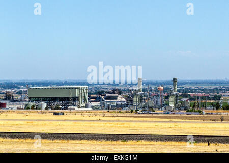 The Owens Illinois glass factory in Tracy California - Stock Photo