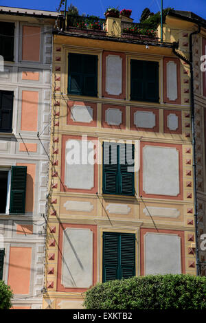 Pastel painted houses on the seafront at Portofino, Golfo del Tigullio, Italian Riviera, Liguria, Italy - Stock Photo