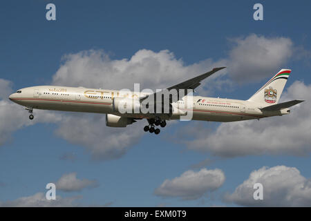 ETIHAD 777 300 LANDING - Stock Photo