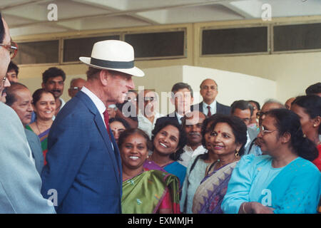 Prince Philip talking to Indian women, Mumbai India - Stock Photo