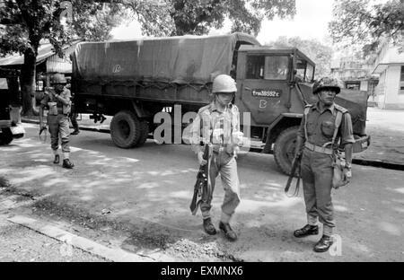 indian army soldiers control riots mumbai Maharashtra India - Stock Photo