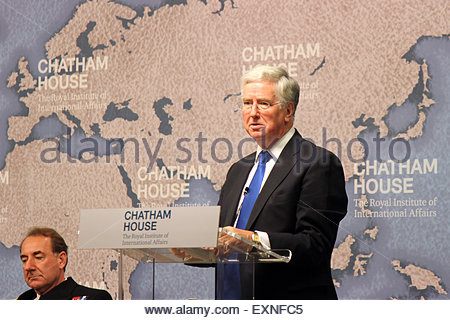 London, United Kingdom. 15th July, 2015. UK Defence Secretary Michael Fallon addresses a meeting at Chatham House - Stock Photo