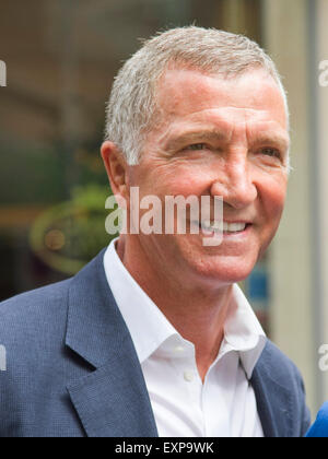 London UK. 16th July 2015. Former Liverpool FC and Glasgow Rangers manager Graeme Souness shopping outside Harrods - Stock Photo