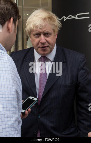 London, UK. 16th July, 2015. Mayor Boris Johnson interviewed on Bond Street Credit:  Guy Corbishley/Alamy Live News - Stock Photo