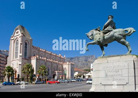 Louis Botha Monument and St. Mary Cathedral, Cape Town, South Africa - Stock Photo