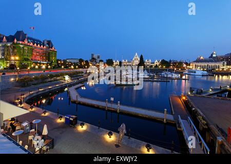 Hotel Empress at night, Victoria Harbour, Vancouver Island, Canada - Stock Photo