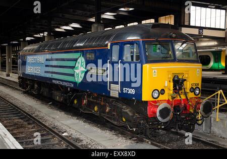class 57 thunderbird brush type 5 diesel-electric locomotive 57309 pride of crewe euston station london - Stock Photo