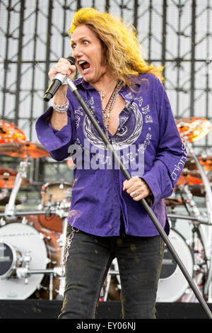 Oshkosh, Wisconsin, USA. 16th July, 2015. Singer DAVID COVERDALE of Whitesnake performs live with his band at the - Stock Photo