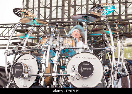 Oshkosh, Wisconsin, USA. 16th July, 2015. Drummer TOMMY ALDRIDGE of Whitesnake performs live at the Rock USA music - Stock Photo
