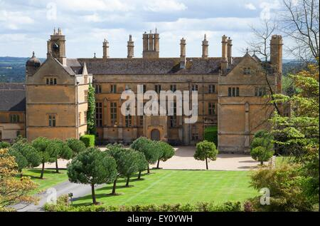 Cotswold stately home in Batsford near Moreton-in-Marsh, Gloucestershire, England. - Stock Photo