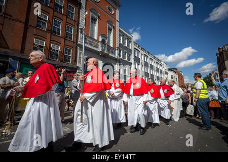 Annual procession of Madonna del Carmine (Our Lady of Mount Carmel) by British Italians outside St. Peter's Italian - Stock Photo