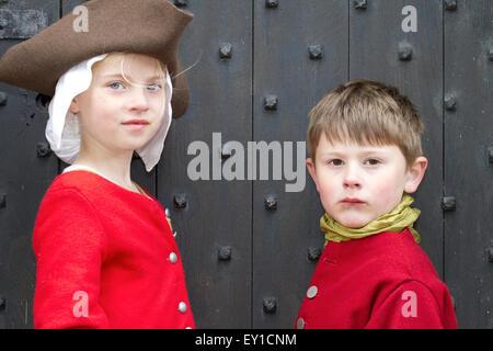 Hoghton Towers, Chorley, Lancashire, UK.19th July, 2015.   Maddie Richardson aged 9 & Freddie Le Pinnet aged 6 at - Stock Photo