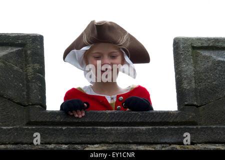 Hoghton Towers, Chorley, Lancashire, UK.19th July, 2015.   Maddie Richardson aged 9 at The Battle of Preston – the - Stock Photo