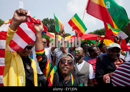 Ethiopian Americans protest outside of the White House against president Obama's planned official visit to Ethiopia - Stock Photo