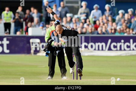 Hove UK Friday 17th July 2015 - Sussex bowler Tymal Mills during the NatWest T20 blast cricket match at Hove County - Stock Photo