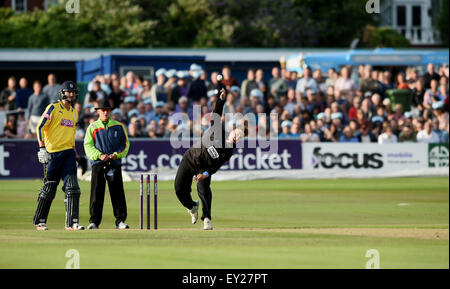 Hove UK Friday 17th July 2015 - Sussex bowler Will Beer during the NatWest T20 blast cricket match at Hove County - Stock Photo