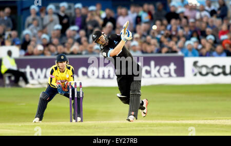 Hove UK Friday 17th July 2015 - Luke Wright of Sussex batting watched by wicketkeeper Adam Wheater during the NatWest - Stock Photo