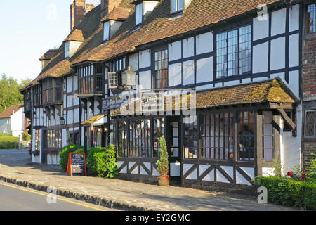 Biddenden Kent, Maydes Restaurant in old Medieval Weavers Houses, England, Britain, UK, GB - Stock Photo
